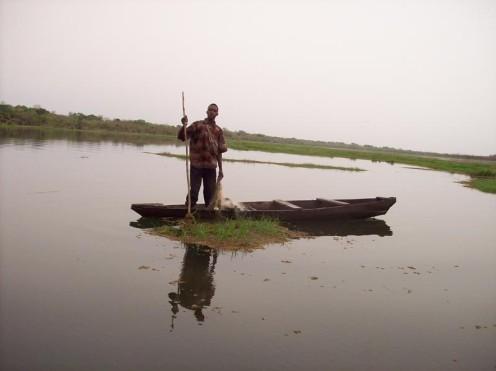 Burkina Faso pescatore di lago. foto di antonio esperi 2010