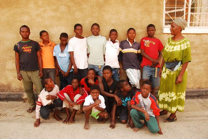 Foto di gruppo per i ragazzi accolti dal progetto