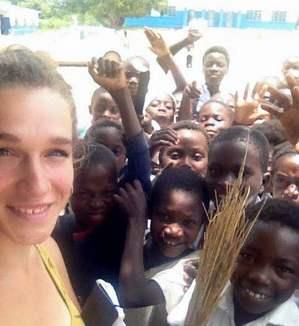 Margherita e i bambini del progetto adozioni