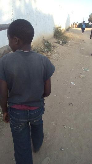 Bambino di 12 anni inserito nel Cicetekelo Youth Project