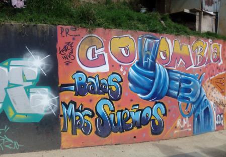 """Colombia_Medellin_murales """"Meno pallottole, più sogni"""""""